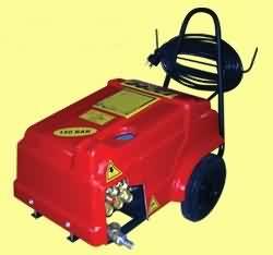 Basınçlı Sulu Araba Yıkama Makinası